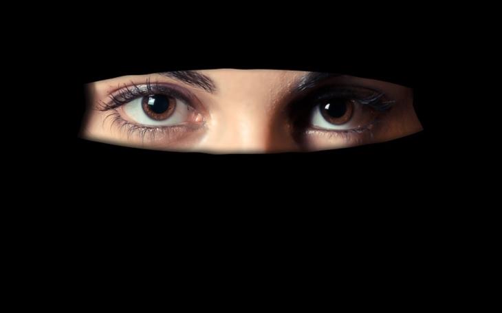 Ženy v Saúdské Arábie budou mít povolení řídit auto