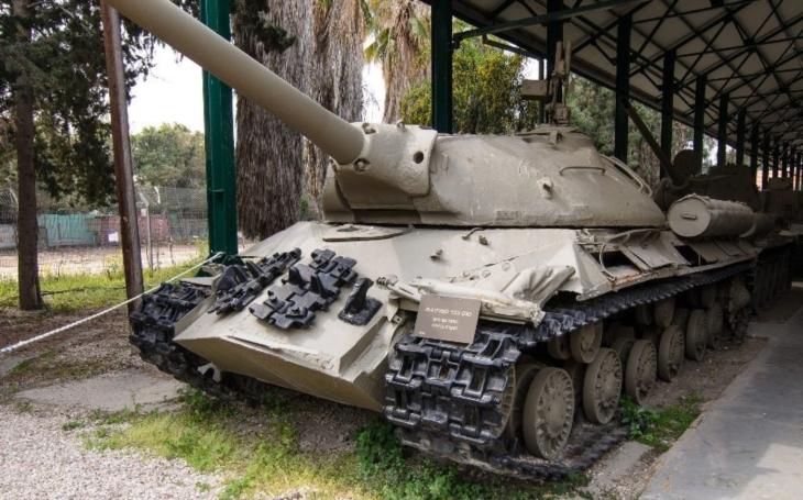 Ruským separatistům docházejí tanky, už je sundavaji i z pomníků