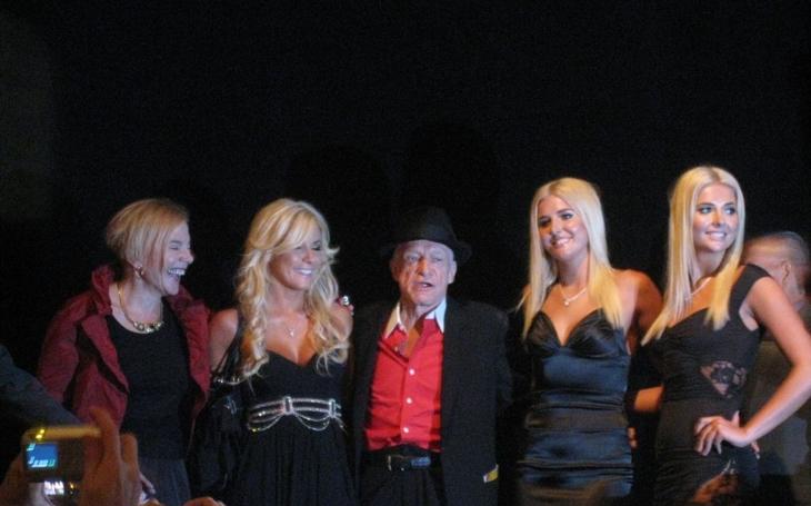Ve věku 91 let zemřel zakladatel Playboye Hugh Hefner