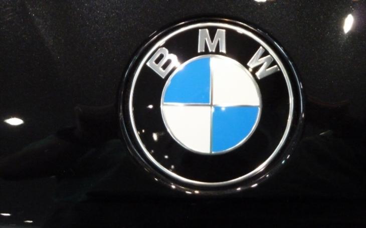Mluvící auta od BMW? Světoznámá automobilka plánuje pro své vozy hlasovou asistentku Alexu od Amazonu