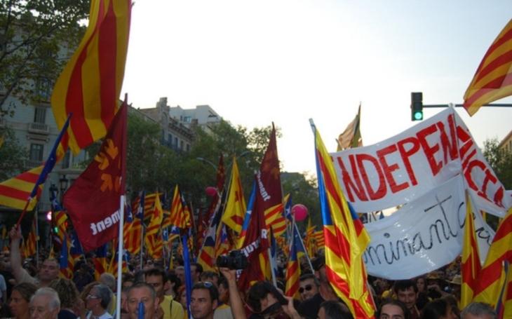 Katalánsko protestuje proti policii, zavřené jsou školy i památky