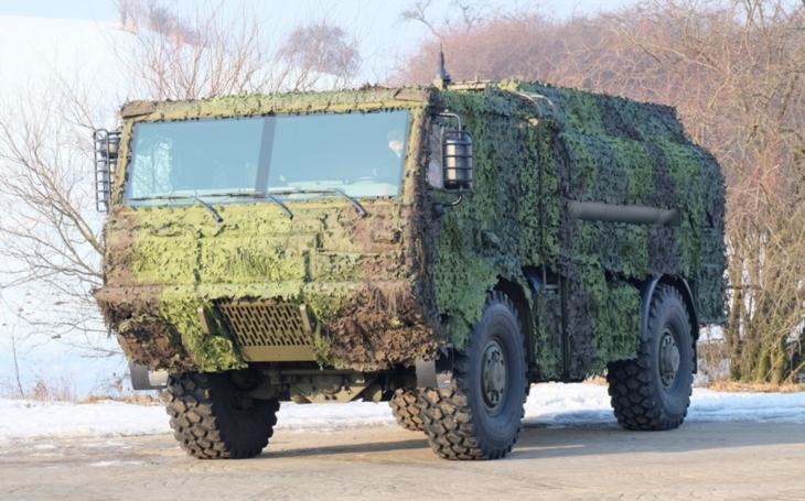 Česká armáda slavnostně předá modernizované cisternové automobily CAP-6M1 příslušníkům 14. pluku logistické podpory a 4. brigádě rychlého nasazení