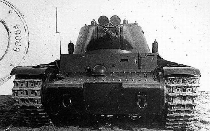 Sovětský tank T-111 byl debaklem předválečné sovětské konstrukční školy