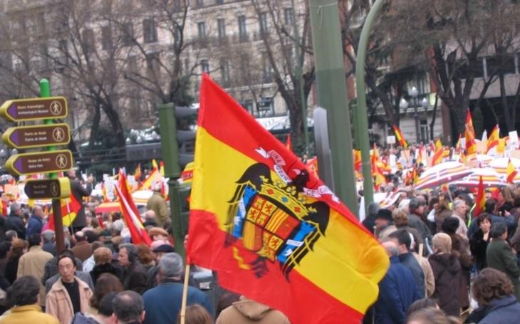 Španělé slaví jednotu, katalánští vůdci oslavy bojkotují