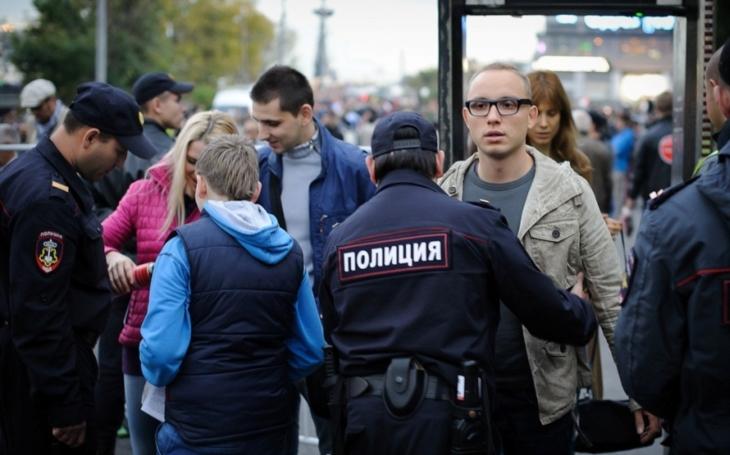 Policie v centru Moskvy zadržela přes 260 lidí