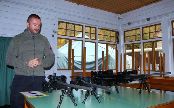 Snaha odzbrojit občany Evropskou unií je řízenou sebevraždou Evropy, říká majitel specializované střelecké firmy Martin Sobotka