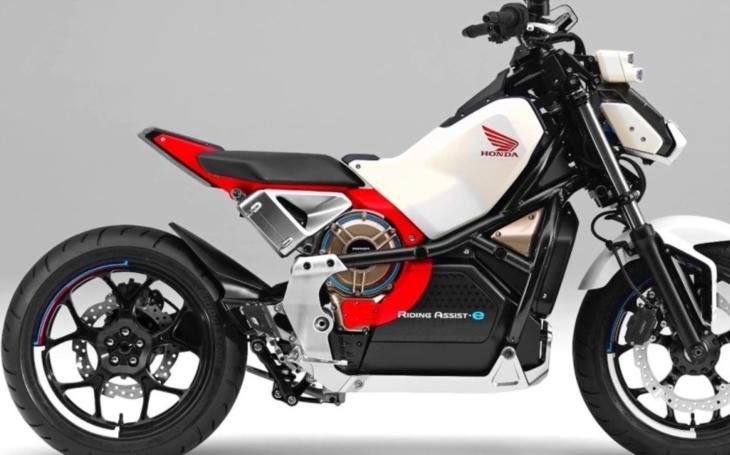 Nový motocykl od Hondy je vybaven ,,samovyvažovací&quote; technologií. Už z něj nespadnete