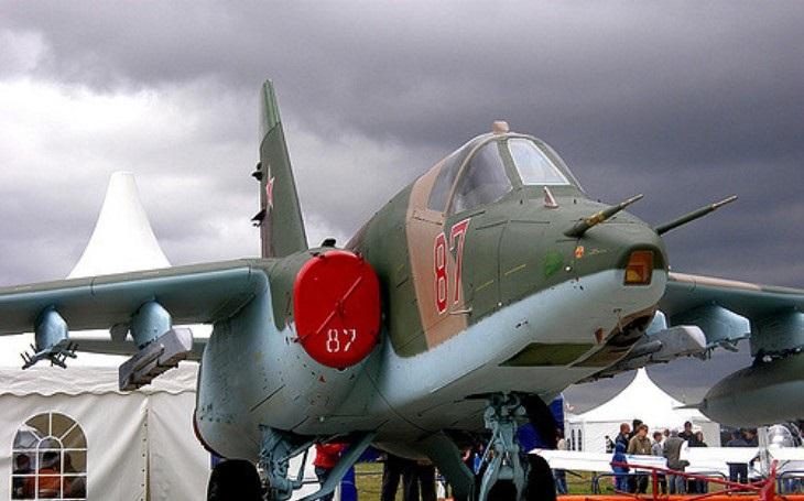 Nahradí legendu Su-25 letoun vyvinutý z bombardéru, který se osvědčil v Sýrii?