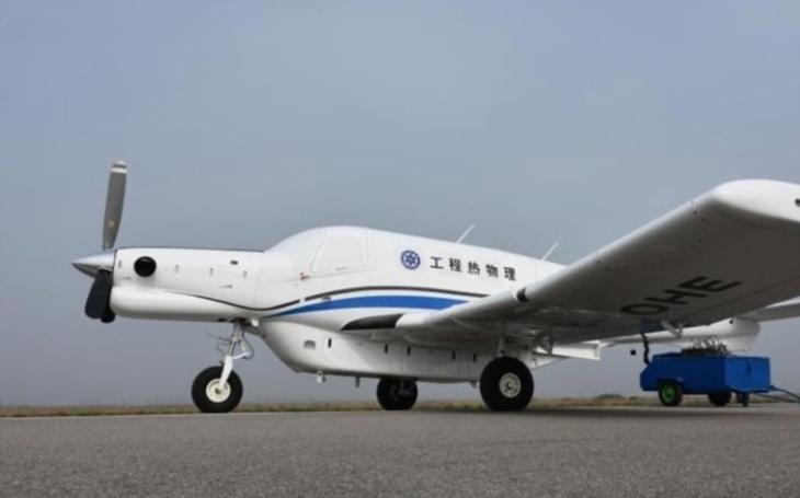 VIDEO: Nejtěžší čínský nákladní dron AT200 absolvoval svůj první let