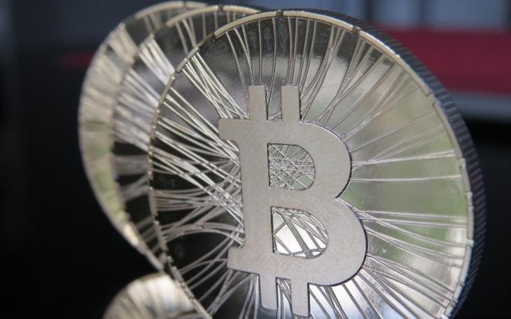 Bitcoin se vrátil pod 7000 USD, za dva dny ztratil přes 1000 USD