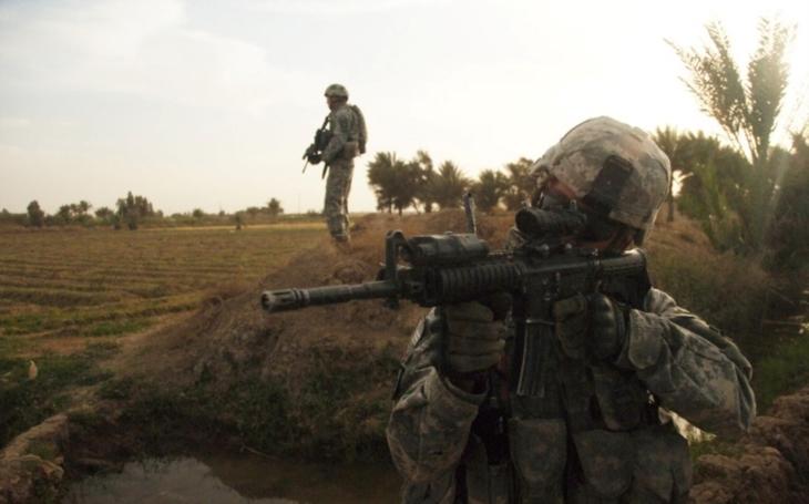 Irácká armáda bojuje s IS o jeho poslední útočiště - o Rávu