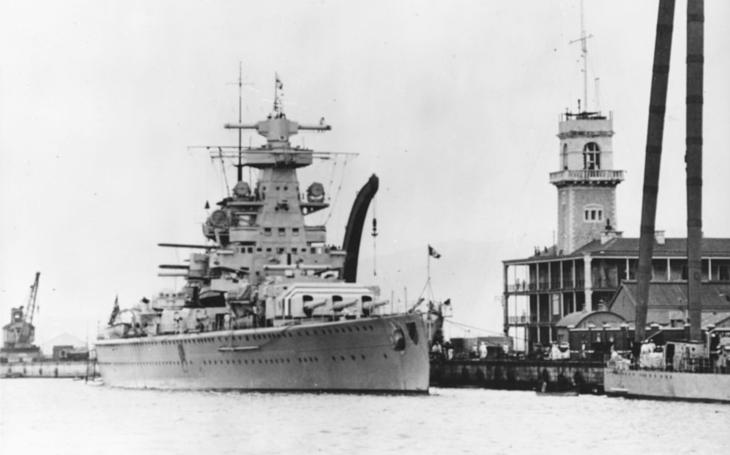 Hitlerův korzár - kapesní bitevní loď Admiral Scheer