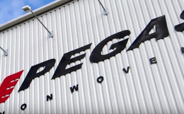 Textilce Pegas rostly výnosy, chce přesunout sídlo do Česka