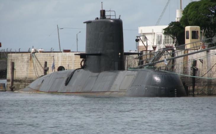Stratila sa argentínska vojenská ponorka ARA San Juan,  44 členov posádky na palube