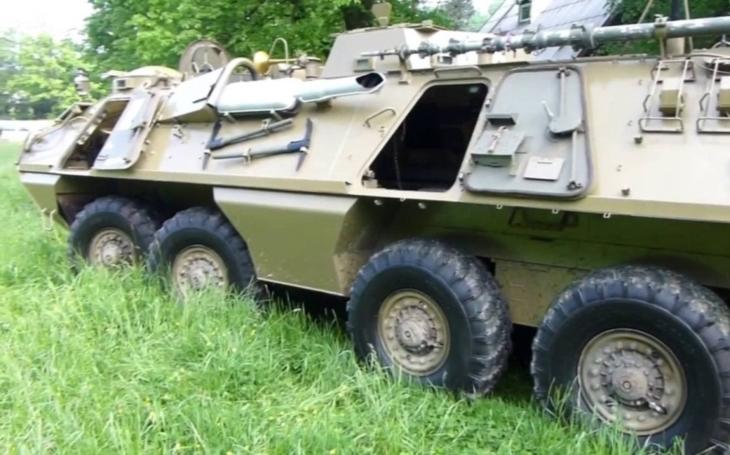 Video: Takhle ,,úřaduje&quote; československý obrněný transportér OT-64