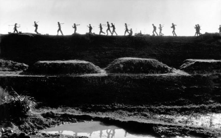 Před 54 lety bylo rozhodnuto o masivním bombardování Severního Vietnamu. Je to nezbytné, prohlásili poradci amerického prezidenta