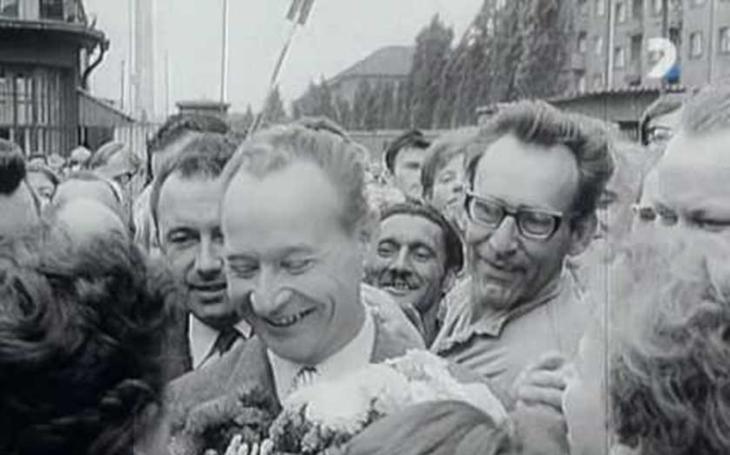 Osudná Čierna nad Tisou: Brežněvův polibek smrti Dubčekovi
