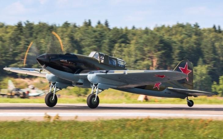 Jak sovětský pilot přežil svou smrt a ještě přechytračil nacisty