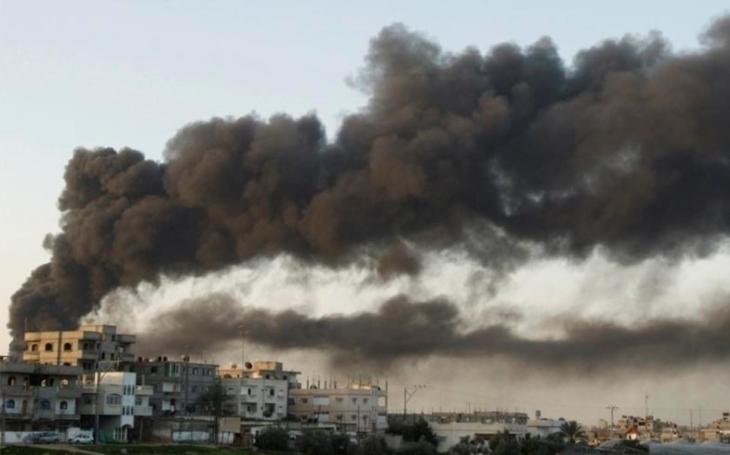 Izrael bombardoval pozice Hamásu v Pásmu Gaza, několik zraněných