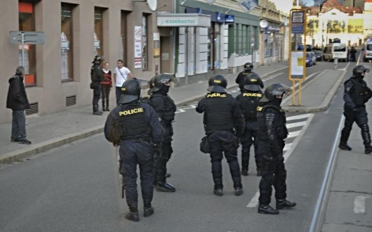 Bezpečnostní expert: Více policistů u nás má pořádný háček