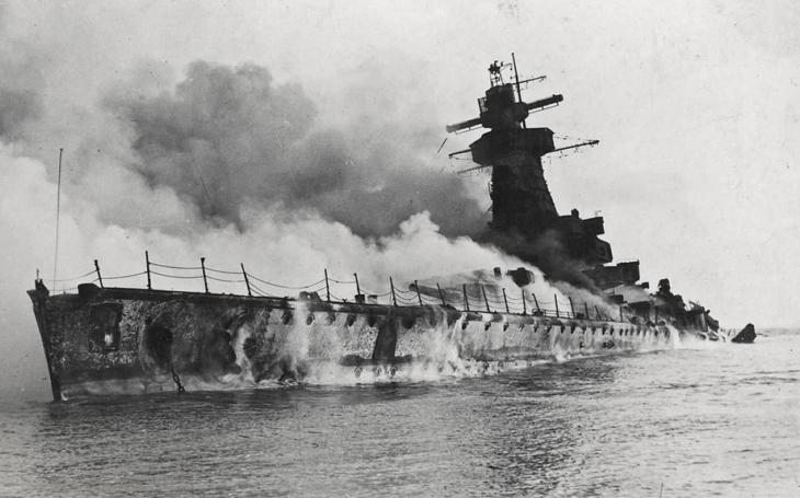 17. prosince 1939 vybuchla kapesní bitevní loď  Graf Spee u Montevidea