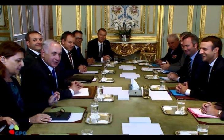 Macron nabádal Netanjahua ke gestům a míru