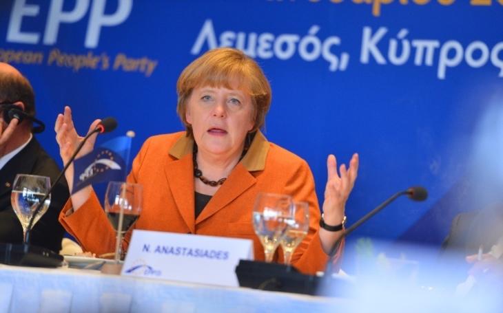 DPA: Merkelová chce úpravou migrační politiky čelit vládní krizi