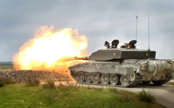 Modernizovat hlavní bojový britský tank Challenger 2, nebo postavit nový? Velká Británie řeší, jak se postavit ruské hrozbě