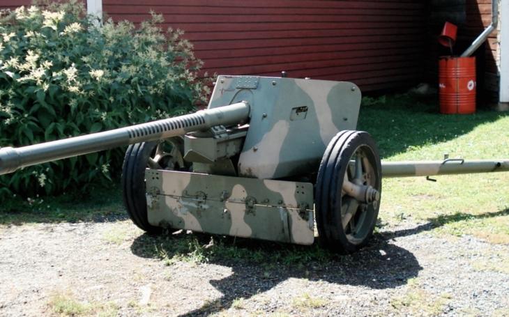(VIDEO) Legendárny nemecký kánon Pak 40 v akcii