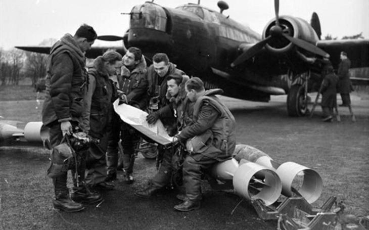 Jak českoslovenští letci dokázali přežít ledovou smrt