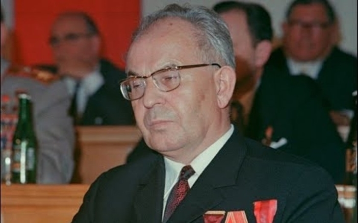 Chtěl připojit Slovensko k SSSR. Gustáv Husák věřil komunismu do konce života