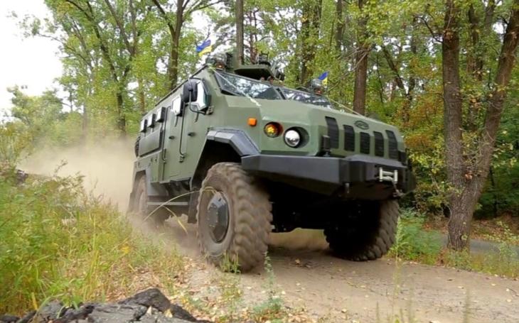Ukrajina otestovala nový obrněný automobil Varta-Novator