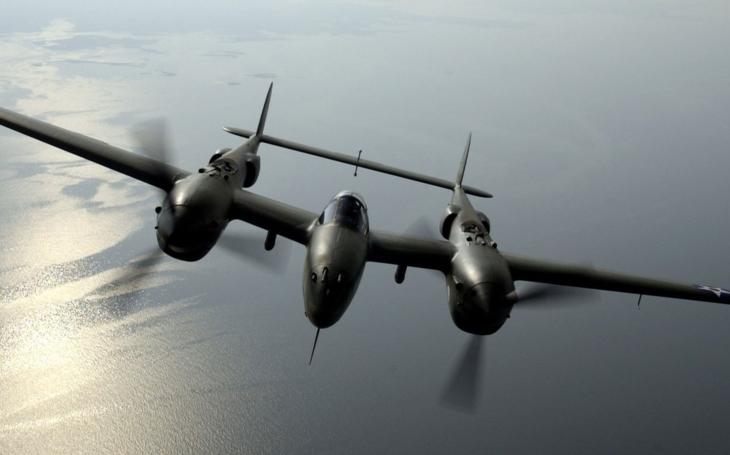 Stíhačka P-38 leteckého esa Richarda Bonga znovu v oblakoch