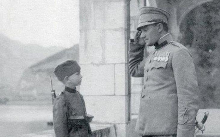 Zabili mu rodiče, tak se pomstil. Nejmladší voják první světové války osobně ,,řídil&quote; svou odplatu