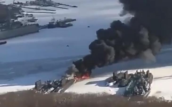 Video: Hořící ruská ponorka ve Vladivostoku