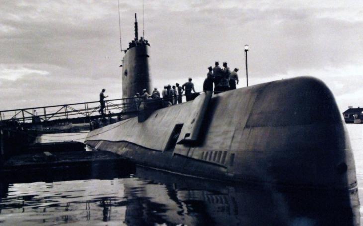 21. ledna 1954 byla na vodu spuštěna první jaderná ponorka USS Nautilus