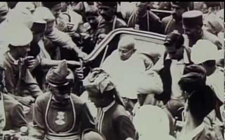 Před 70 lety byl zavražděn Mahátma Gándhí. Ovlivnil svými myšlenkami i Martina Luthera Kinga