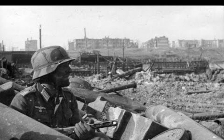 Před 75 lety se poslední německé jednotky vzdaly u Stalingradu a rozzuřily tím Hitlera