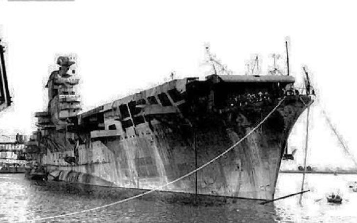 Aquila měla být Mussoliniho letadlovou lodí