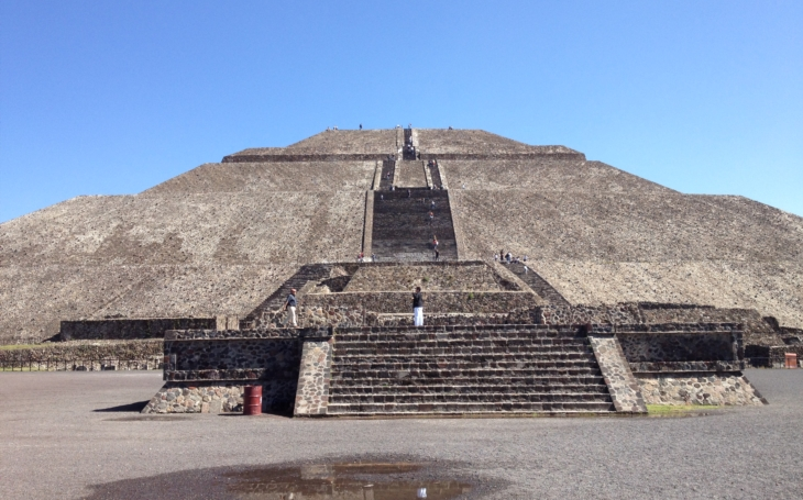Zabila salmonela 18 miliónů Aztéků v Mexiku dobytém Cortézem?