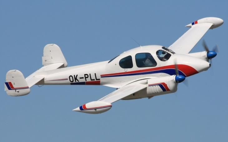 Ozbrojení šílenci v rolích únosců československých letadel