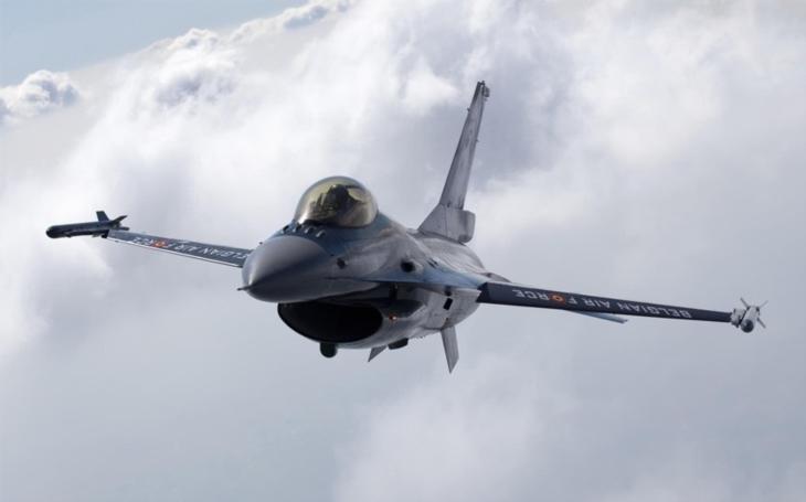 Slovensko koupí nejmodernější verzi amerických stíhaček F-16