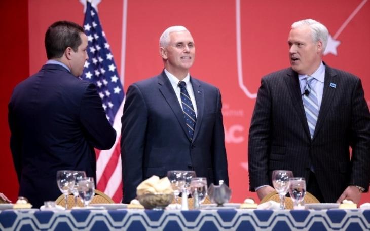 Washington: Představitelé KLDR se v Koreji odmítli setkat s Pencem