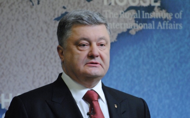 Putin a Porošenko si telefonovali, jednali o Donbasu a o vězních