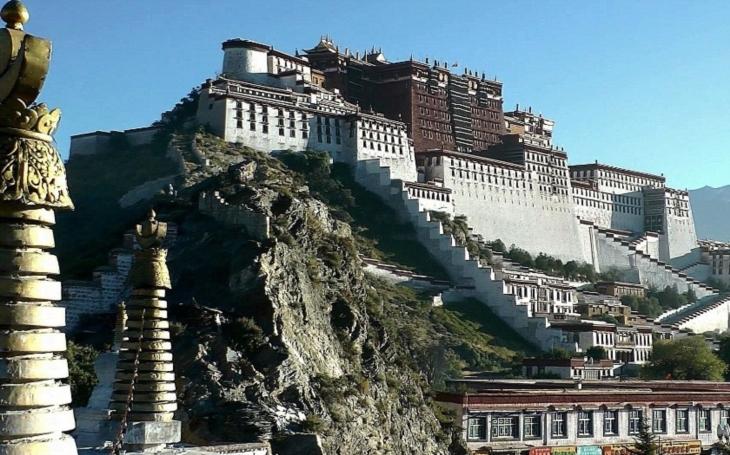 Před 59 lety utopila Čína tibetské povstání v krvi. Zabila při něm téměř 100 000 lidí
