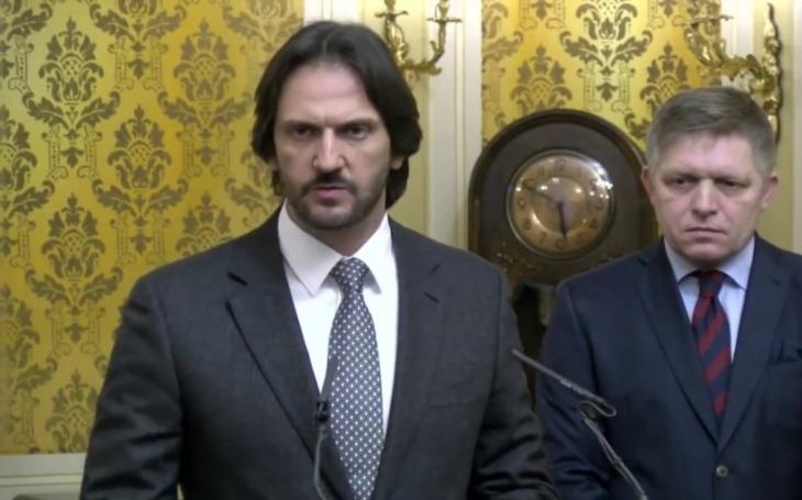 Slovenský ministr vnitra po tlaku opozice i koalice podá demisi