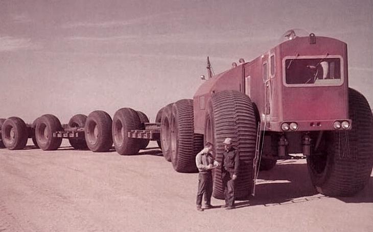 Pozemní vlak na gigantických kolech měl ,,brázdit&quote; Aljašku
