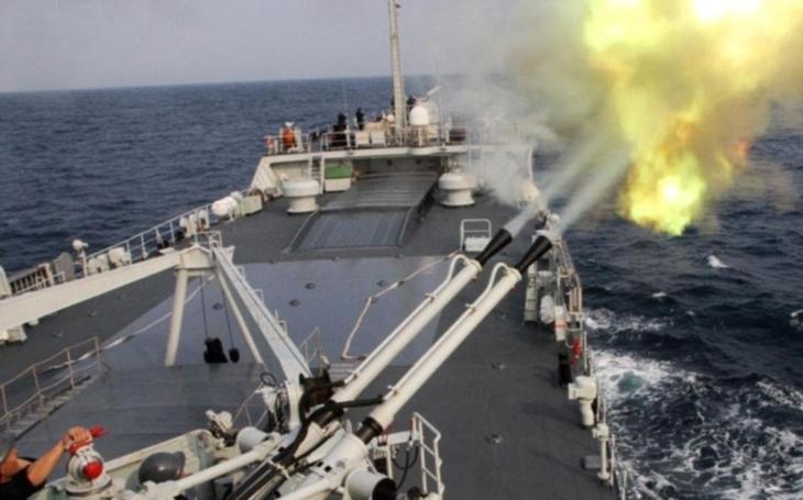 Čína testuje vlastní railgun, tvrdí vojenský server