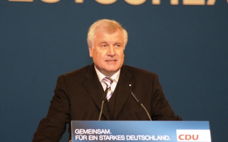 Seehofer: Když dostane CSU hlasy, bude účinná regulace migrace