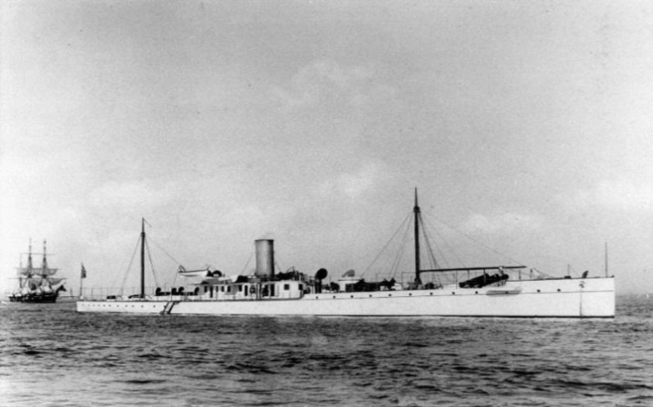 Experimentální ,,dynamitový&quote; křižník USS Vesuvius měl být alternativou ke konvenčním zbraním